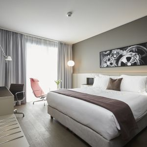 http://www.hotelmoderntimes.ch/application/files/thumbnails/thumb_list_2x/5314/8767/1309/chambre_superieure.jpg